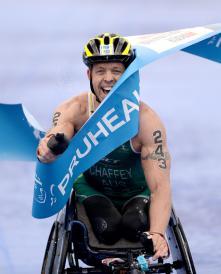 Chaffey defends world title