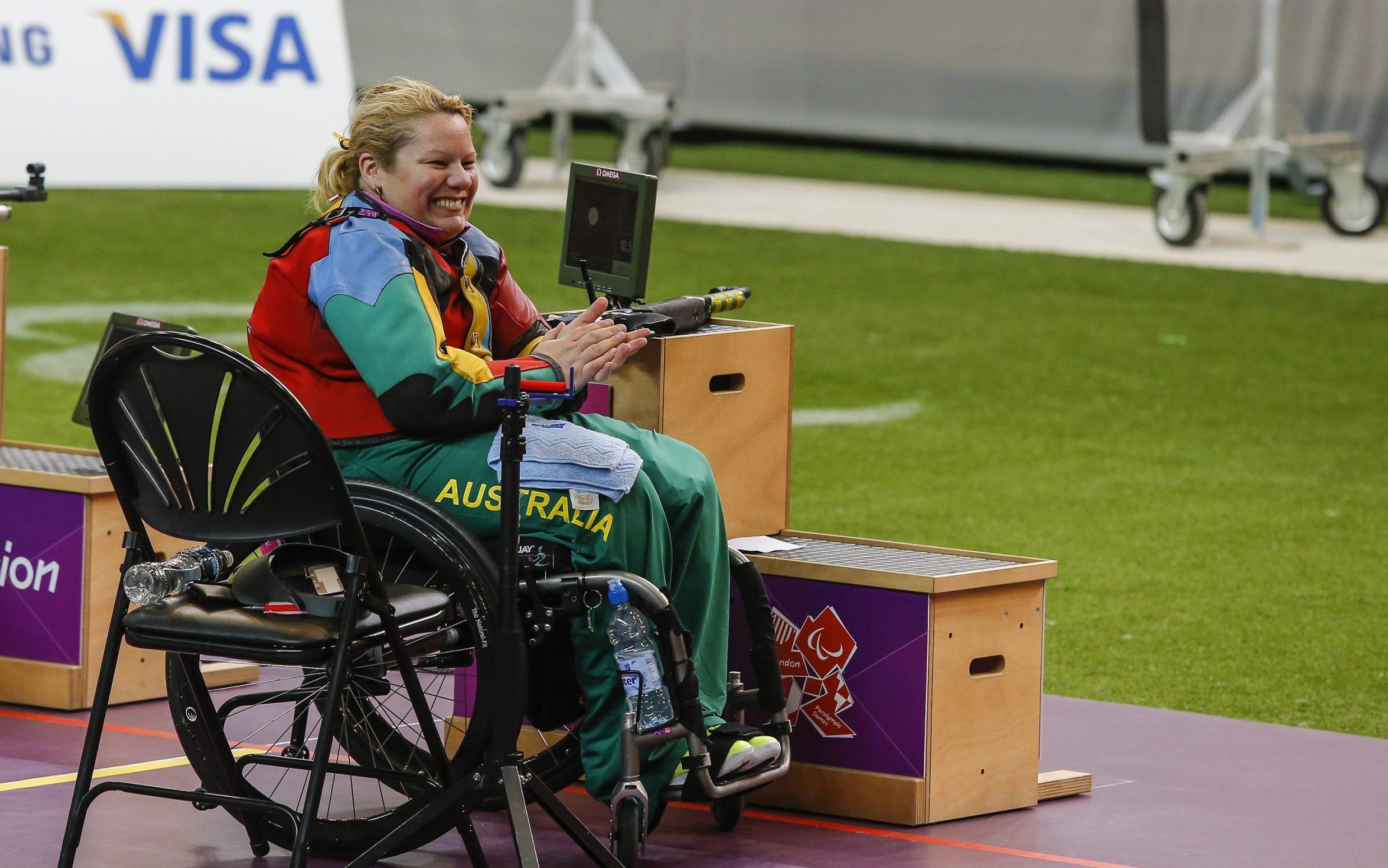 Smith smashes Australian record en route to gold