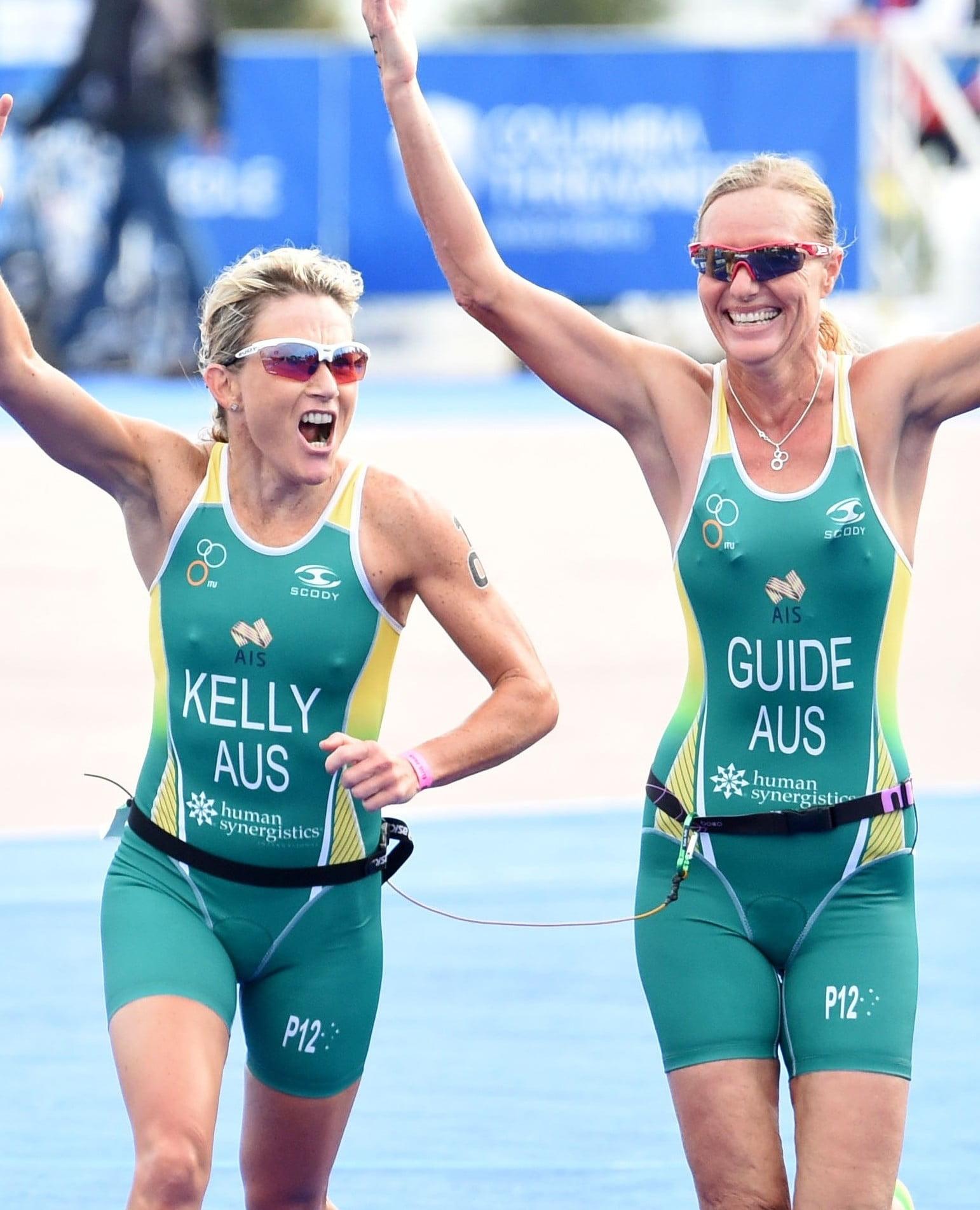 Australian duo surge to historic Triathlon gold