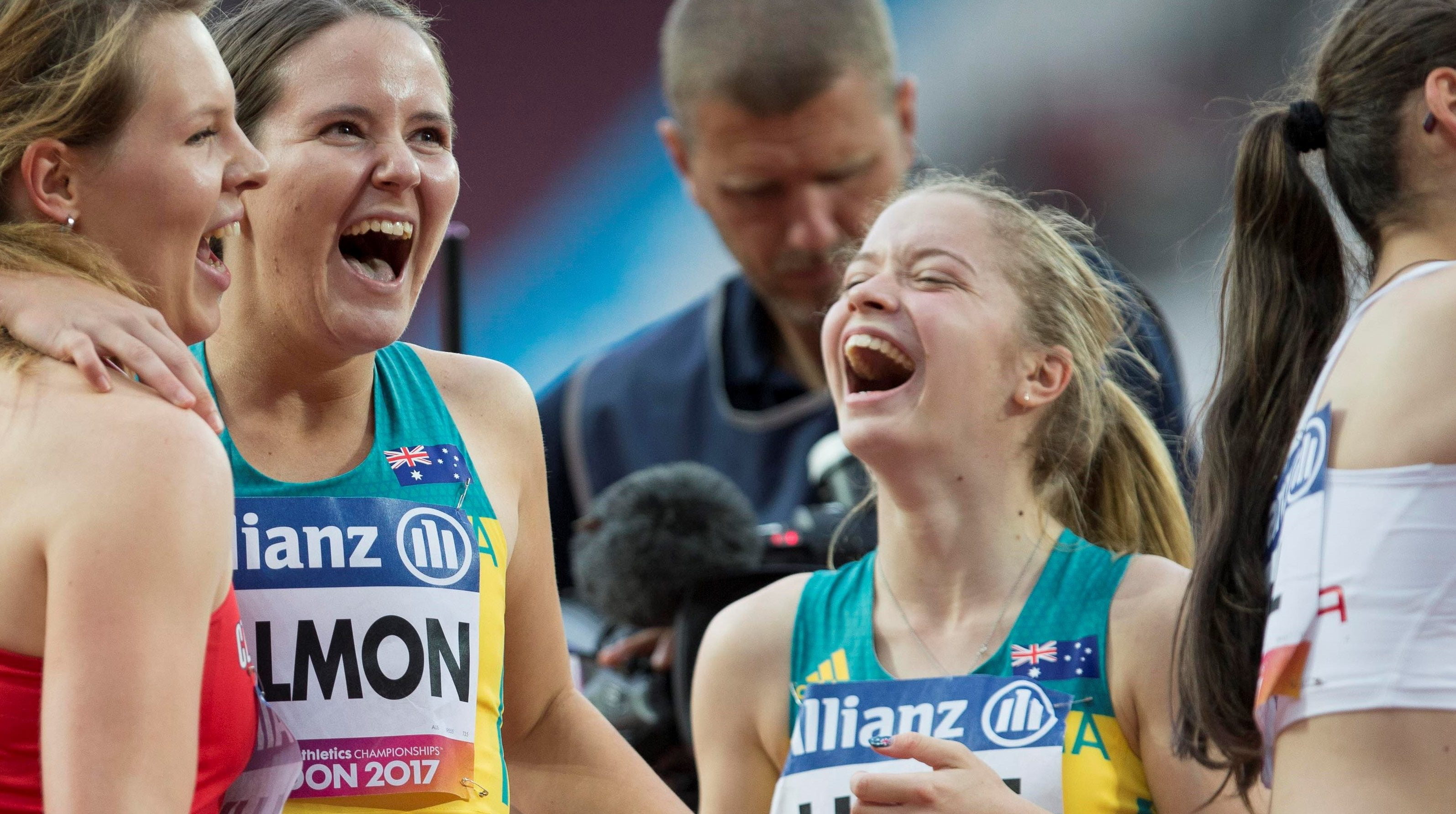 Holt storms home in world record time