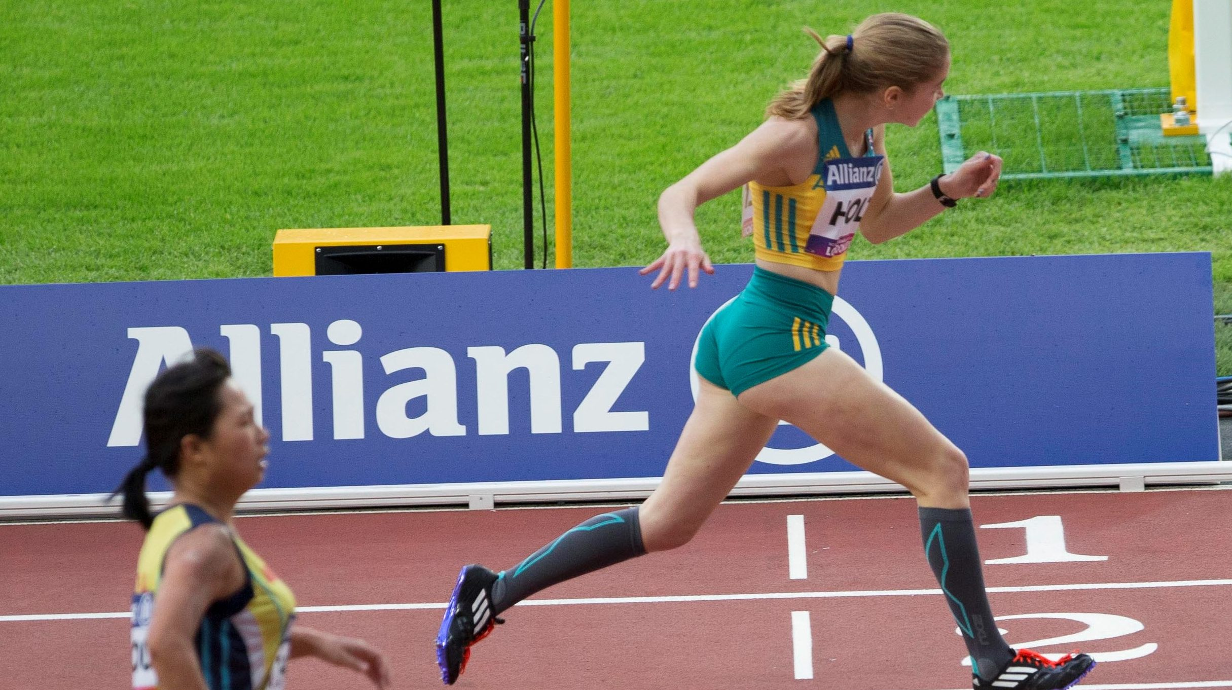 Holt surges to gold, as Turner breaks another world record