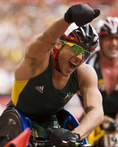 Kurt Fearnley leads the field in 5000m heat - Copy