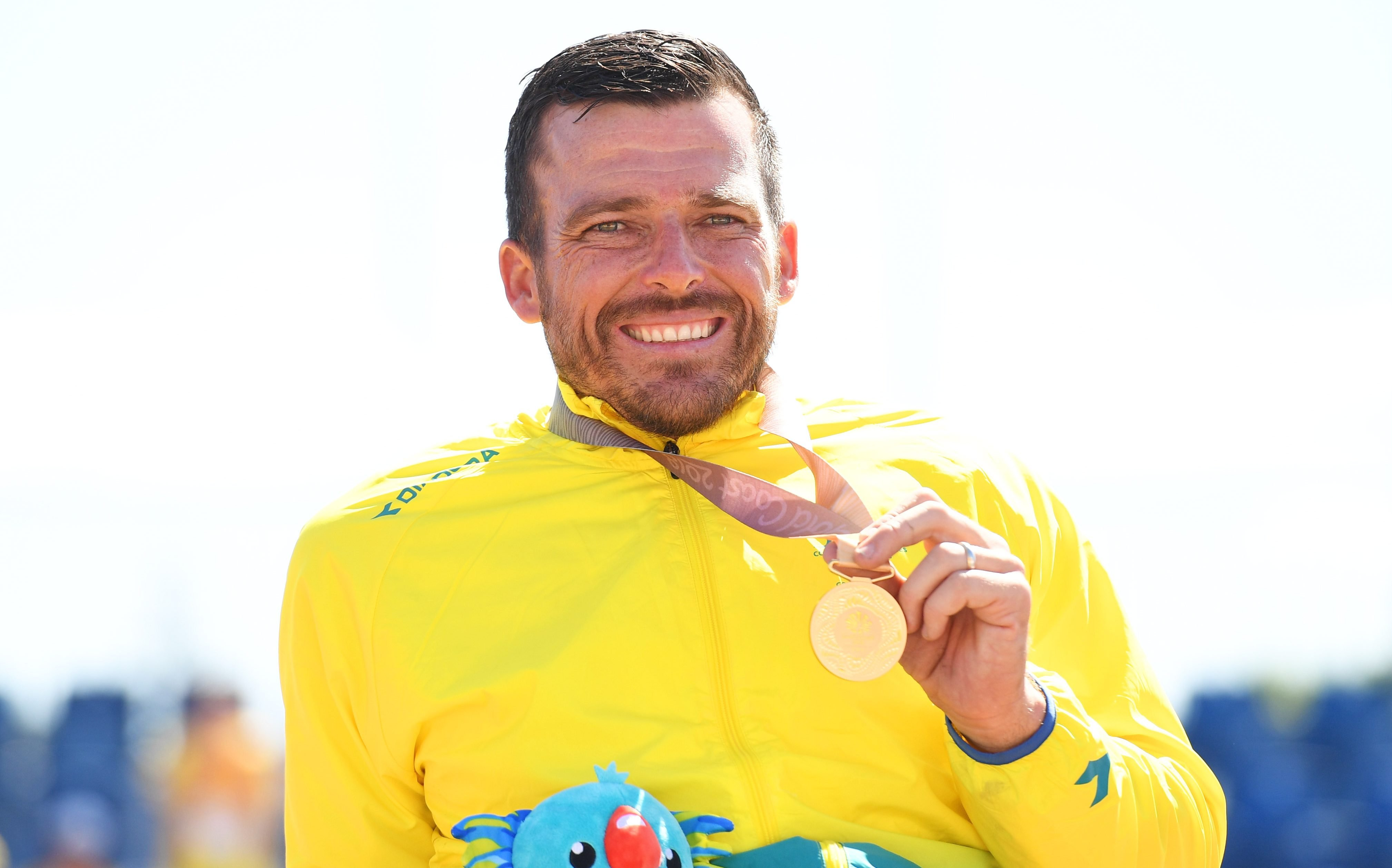 Fearnley makes history as Commonwealth Games flag-bearer