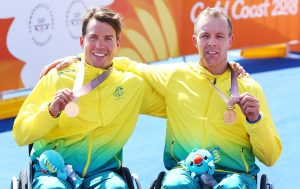 An image of Nic Beveridge and Bill Chaffey with their medals