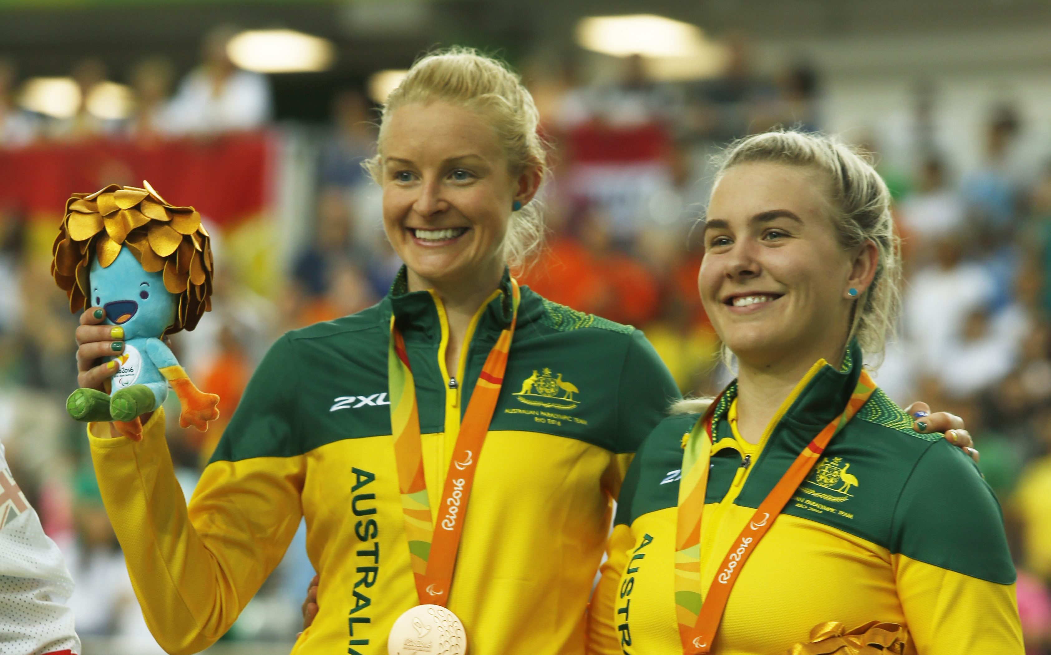 Gallagher and Janssen race for gold
