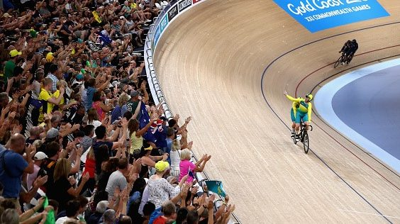 Henderson and Clarke see double bronze