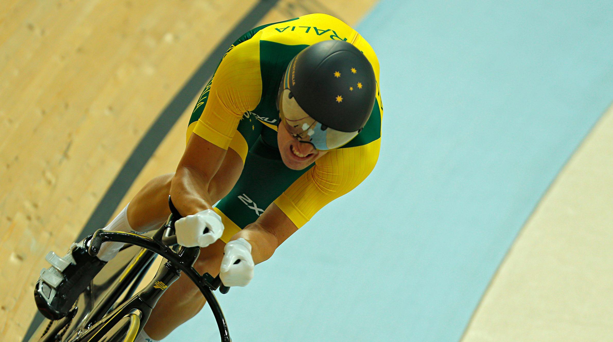 Nicholas defends world title; debutant Petricola wins bronze