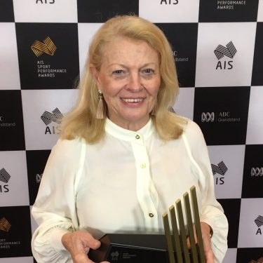 Anderson wins AIS Award for Leadership